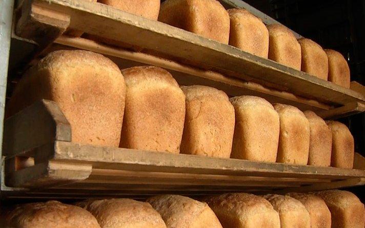 лоток хлебный Л14 с хлебом
